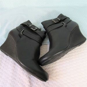 Kenneth Cole Reaction Shoes - Kenneth Cole Reaction Black Vegan Leather Booties